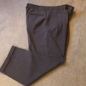 Claiborne Olive Dress Pant in perfect condition